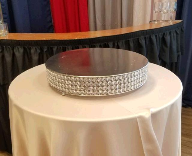 Where to find CAKE STAND CRYSTAL 14  ROUND in Tacoma